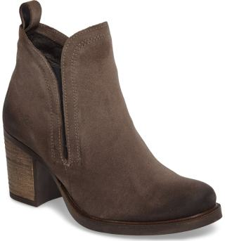 https://shop.nordstrom.com/s/bos-co-belfield-waterproof-chelsea-boot-women/4082669