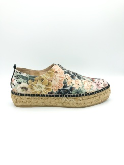 https://theurbanshoemyth.vendecommerce.com/ateliers/products/ateliers-madeira-in-floral