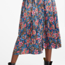 https://www.simons.ca/en/women-clothing/skirts/midi/print-satin-pleated-skirt--10354-200460?catId=8514&colourId=99